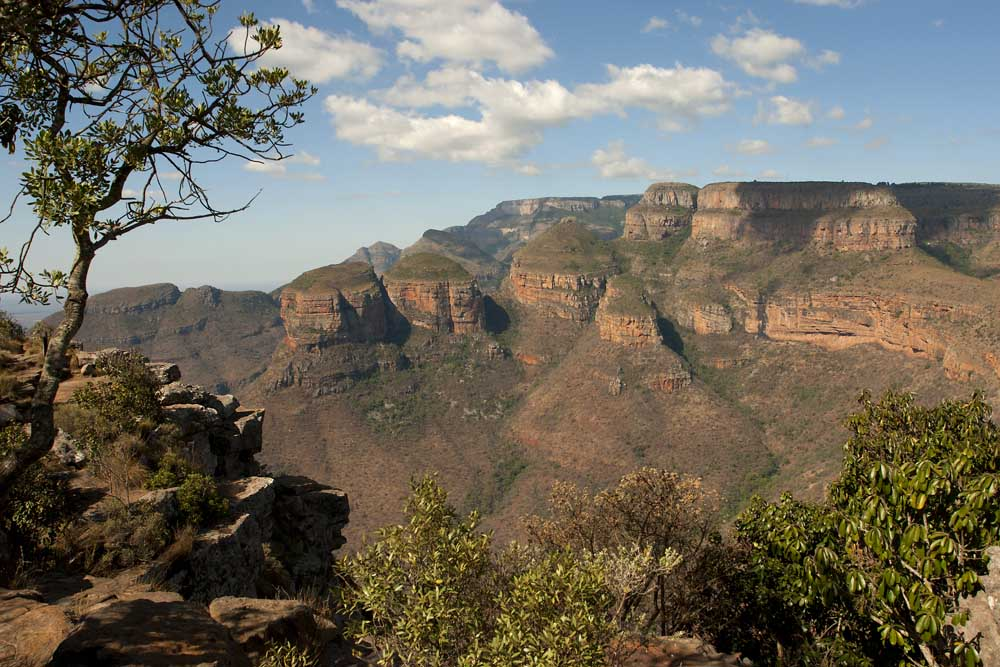 <div style='text-align: center;'>Three Rondavels am Blyde River Canyon (S&uuml;dafrika 2011)</div>