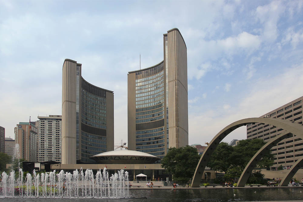 <div style='text-align: center;'>Toronto City Hall (Kanada 2005)</div>